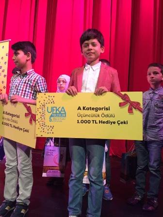 Efekan Kiraz Bursa Üçüncüsü oldu, 1000 liralık ödülün sahibi oldu.