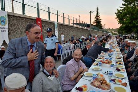 Orta Mahalle'de iftar sevinci